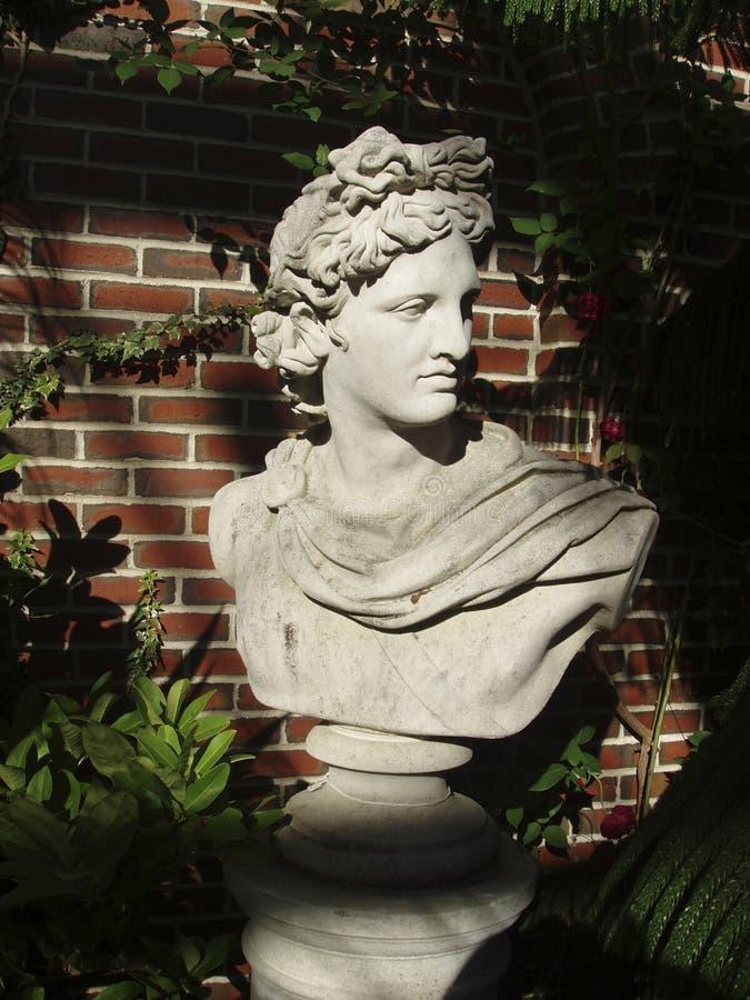 Klassische römische Skulptur lizenzfreie stockfotos