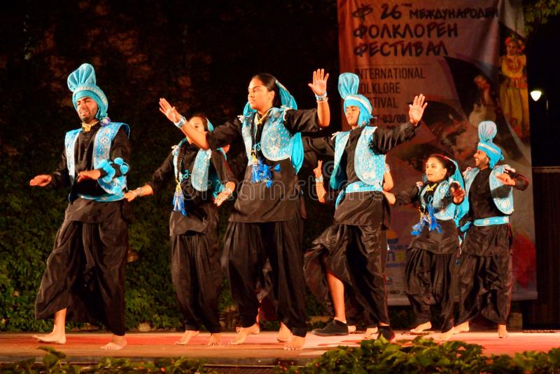 Klassische Tänzer der jungen Leute von Indien lizenzfreie stockbilder