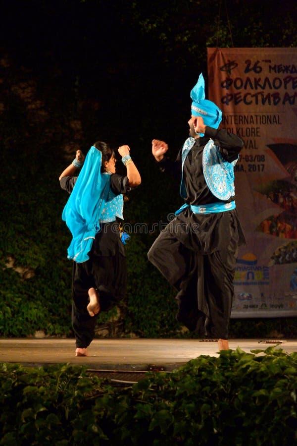 Klassische Tanzbühneleistung der indischen Paare lizenzfreies stockfoto