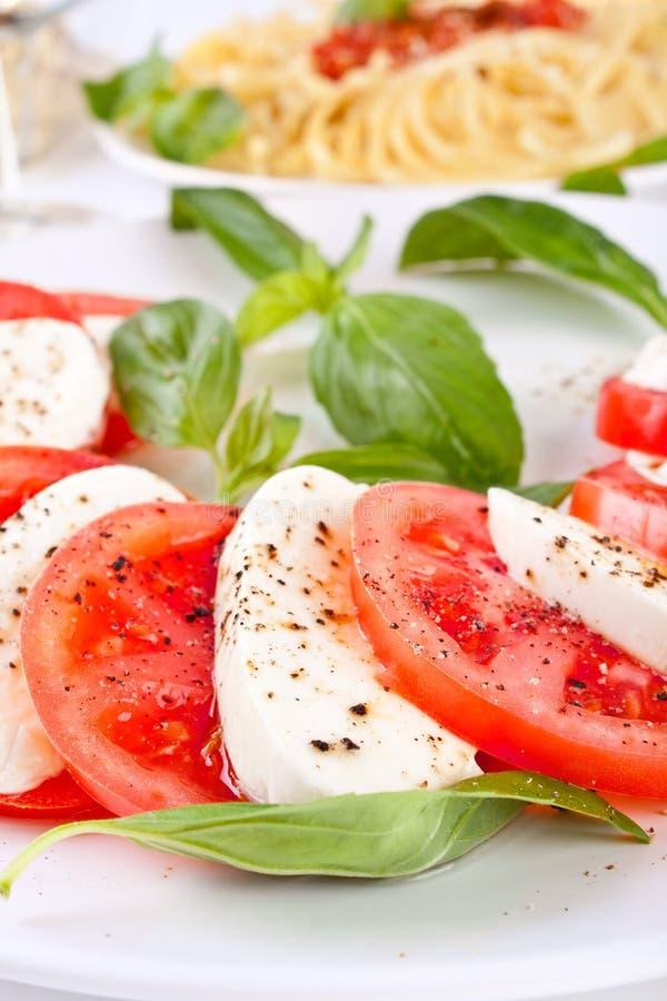Klassischer caprese Salat lizenzfreies stockfoto