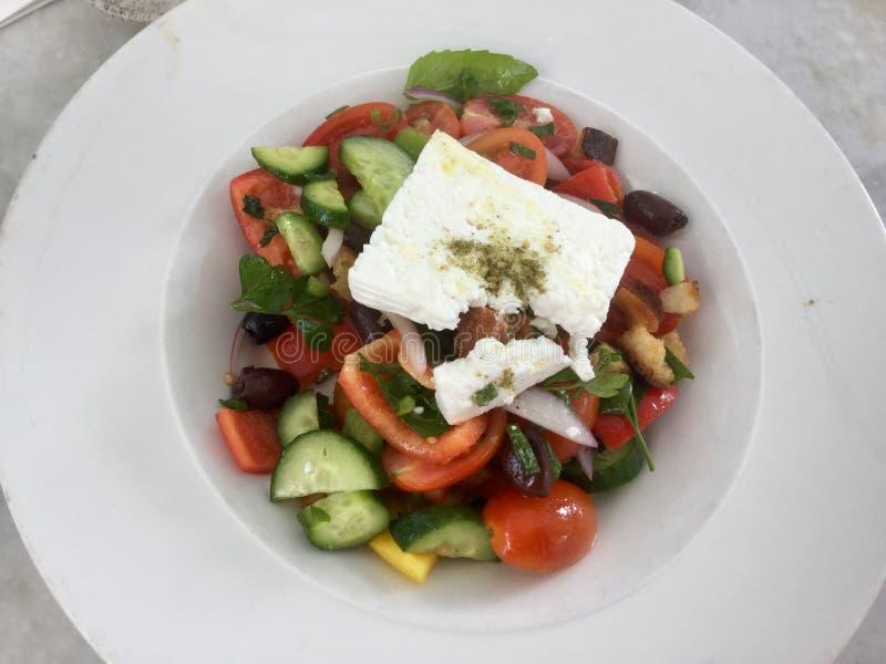 Klassischer griechischer Salat Neue vegetarische Mahlzeit Gesunde Nahrung lizenzfreies stockbild