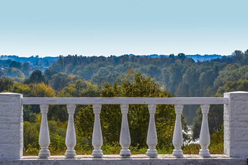 Klassischer Weinlesezaun stockbilder