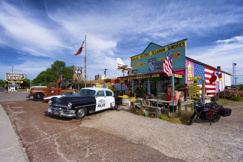 Klassisches Geschenk und Kaffeestube auf historischem Route 66 in Seligman, Arizona stockbild