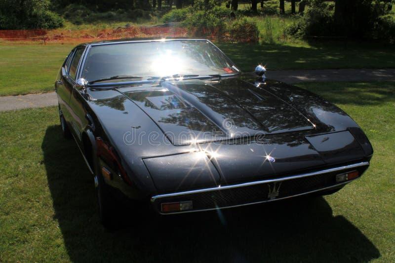 Klassisches Maserati trägt großartigen Tourer zur Schau lizenzfreies stockbild