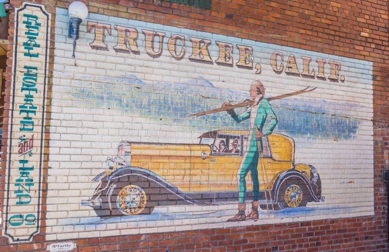 Klassisches Wandgemälde in der alten Weststadt von Truckee, Kalifornien lizenzfreie stockfotografie