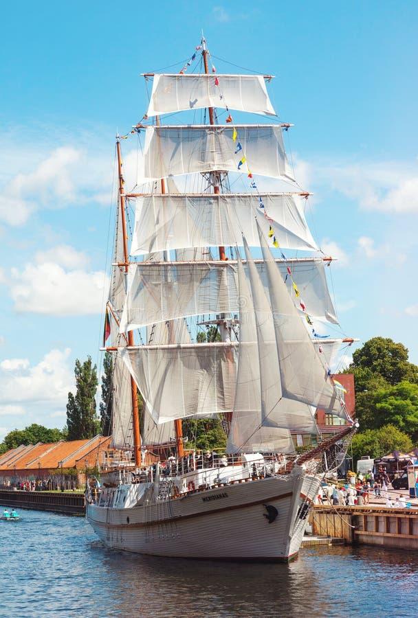 Klassisches Weinlesesegelboot lizenzfreies stockbild