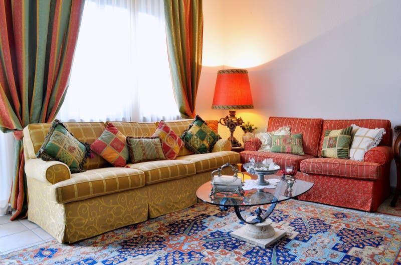 Klassisches Wohnzimmer stockbilder