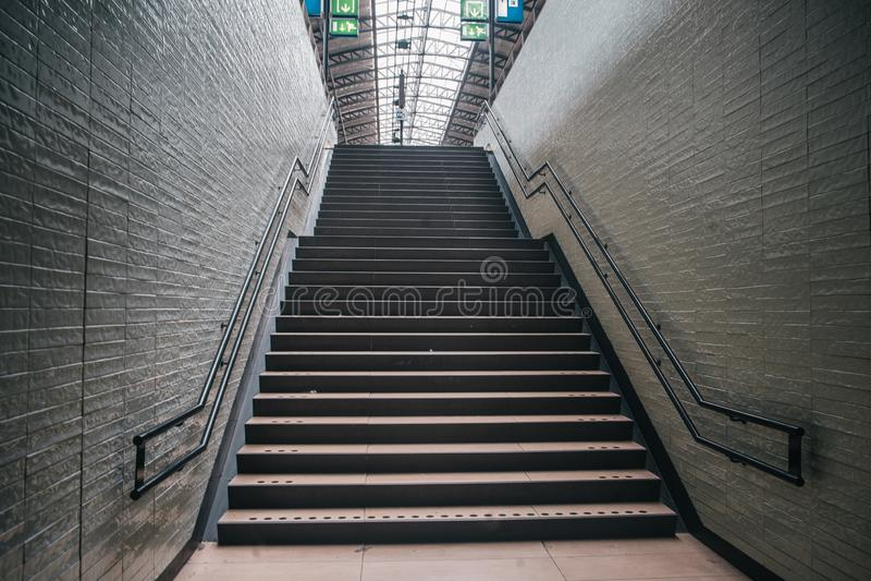 Klassisk europeisk trappuppgång royaltyfri foto