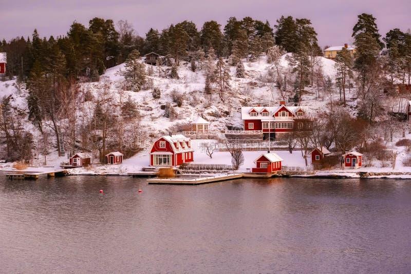 Klassisk europeisk villa, lyxigt hus fotografering för bildbyråer