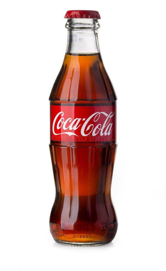 Klassisk flaska av cocaen - cola som isoleras på vit fotografering för bildbyråer