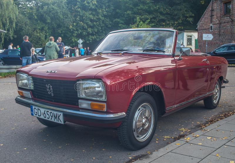 Klassisk fransk konvertibel bil Peugeot 304 arkivfoto