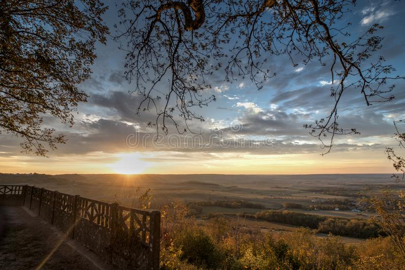 Klassisk fransk solnedgång arkivbild
