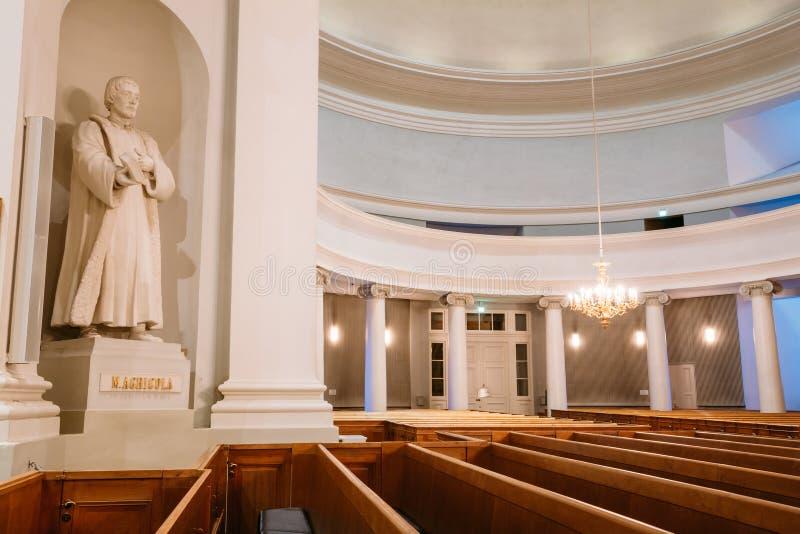 Klassisk inre av den Helsingfors domkyrkan arkivfoton