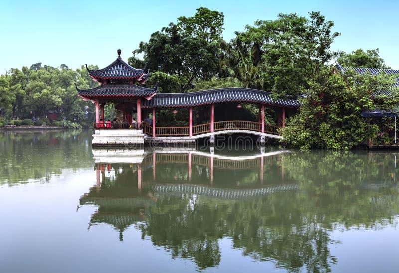 Klassisk kinesisk paviljong fotografering för bildbyråer