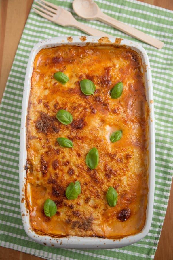 klassisk lasagna arkivbild