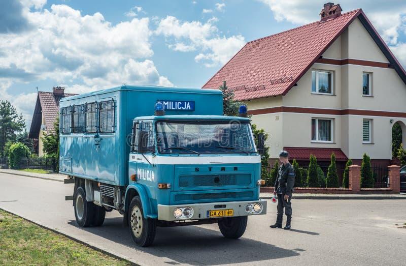 Klassisk polsk lastbilstjärna i polisversion arkivbilder