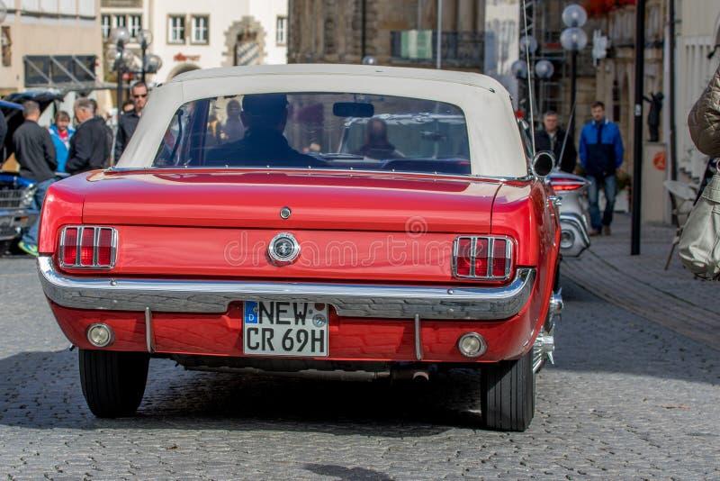 Klassisk sportig cabriolet av 60-tal royaltyfria foton