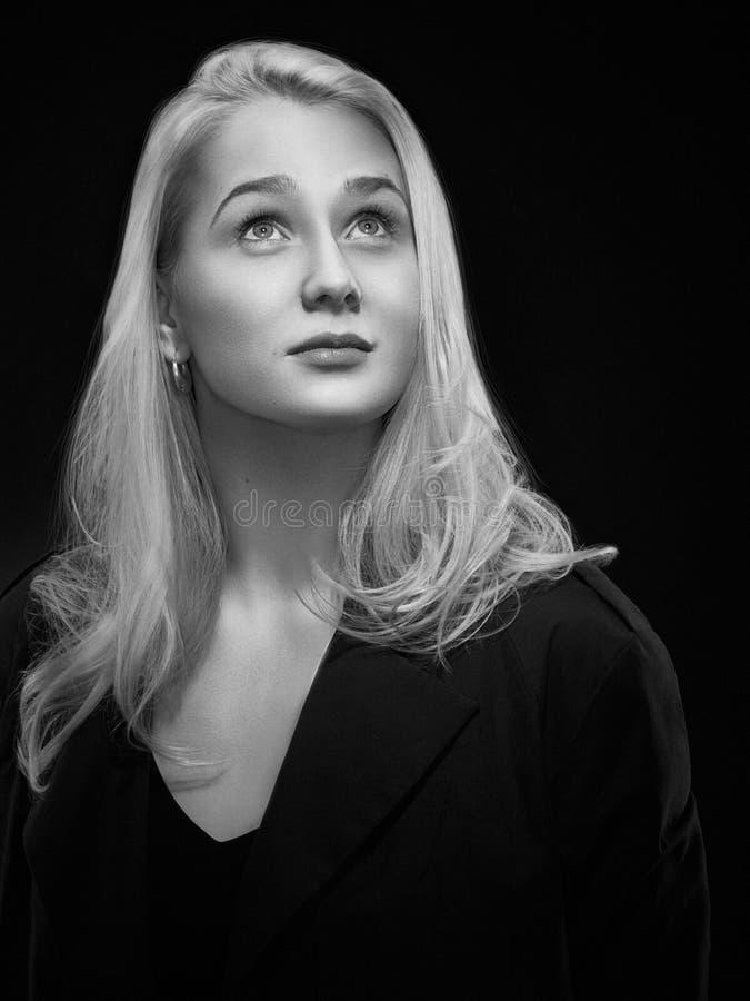 klassisk ståendekvinna arkivfoto