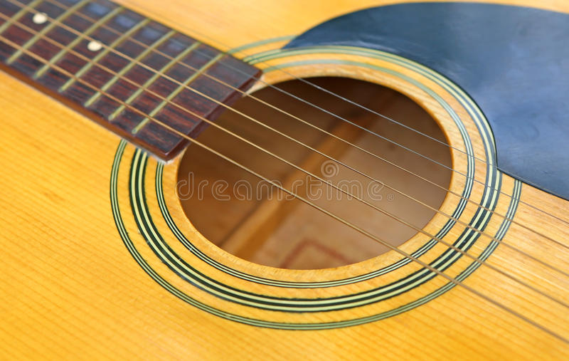 klassisk tät gitarr upp royaltyfria bilder