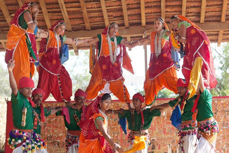 Klassisk traditionell Rajasthani för indisk musikbanddans dans i den Rajasthan staten, Indien fotografering för bildbyråer
