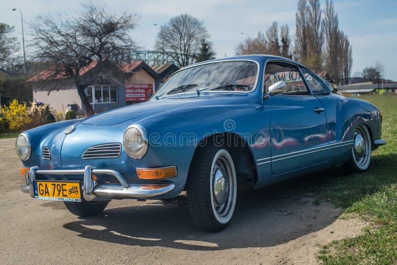 Klassisk tysk bilVW Karmann Ghia arkivbilder