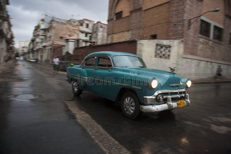 Klassiska 50-talbildrev i Centro Havana Cuba royaltyfria bilder