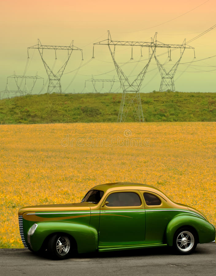 Klassiskt Bil- Och Höstfält Arkivfoto