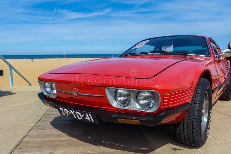 Klassiskt medel för VW på showen för Scheveningen strandbil royaltyfria bilder