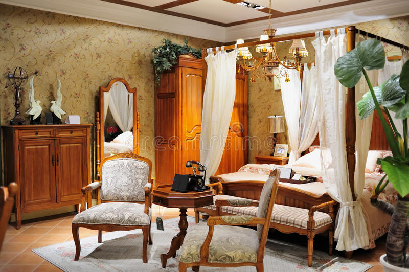 Klassiskt sovrummöblemang arkivfoto