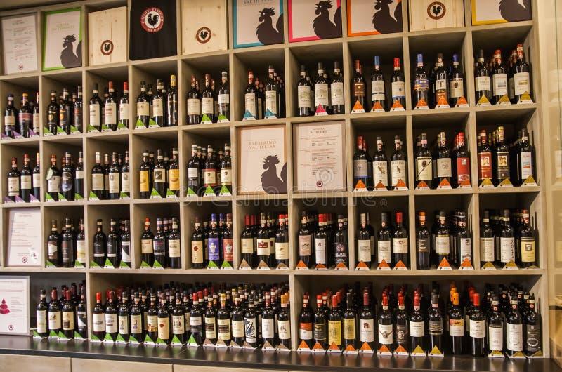 Klassiskt vin shoppar fotografering för bildbyråer
