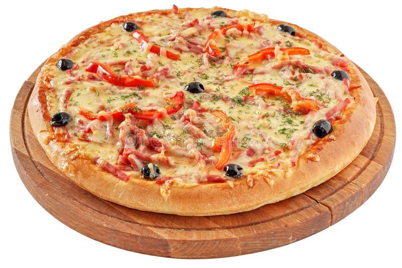 Klasyczna pizza z pomidorami, czerwonym pieprzem i ziele, obraz royalty free