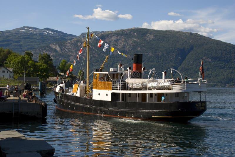 Klasyczna stara parowa łódź na hardangerfjord, Norway zdjęcia stock