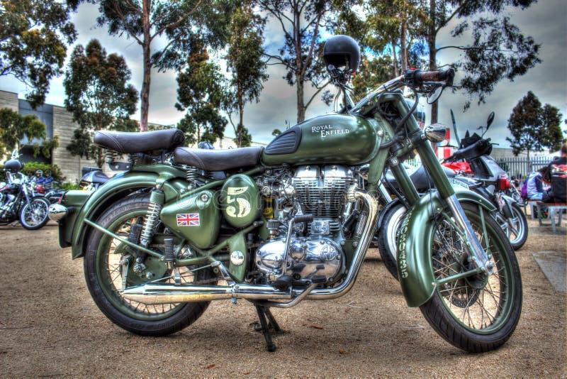Klasyczne angielszczyzny budowali Królewskiego Enfield motocykl obraz stock