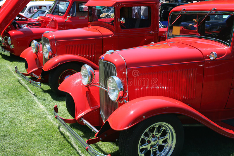 klasyczne czerwonym ciężarówki zdjęcie stock