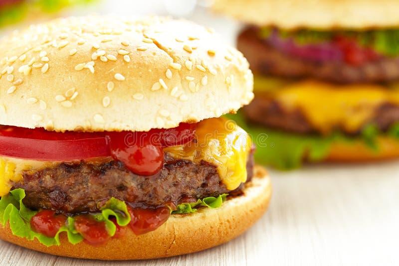Klasyczni hamburgery obrazy stock