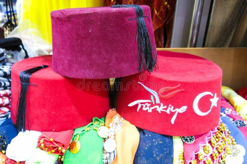 Klasyczni Tureccy kapelusze na Istanbuł Uroczystym bazarze fotografia royalty free
