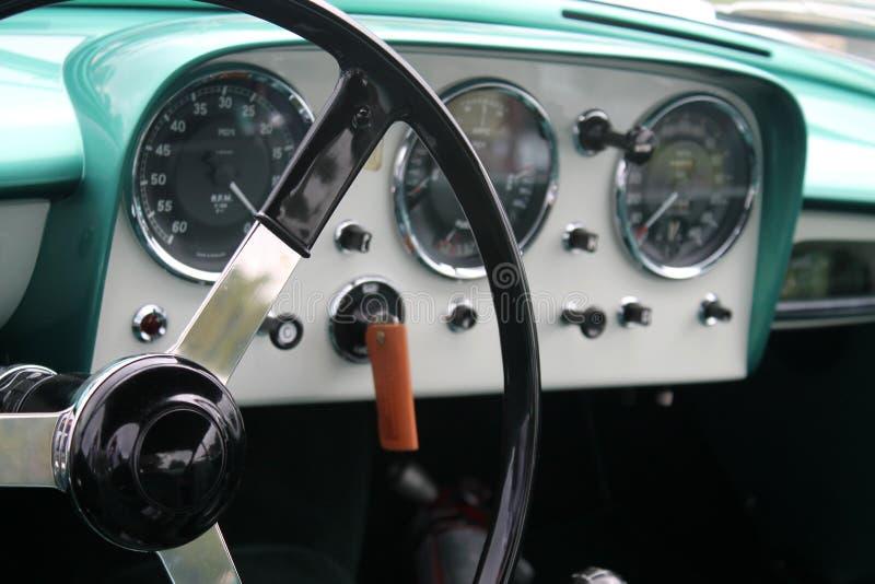 Klasyczne sporta samochodu wnętrza tarcze zdjęcie royalty free