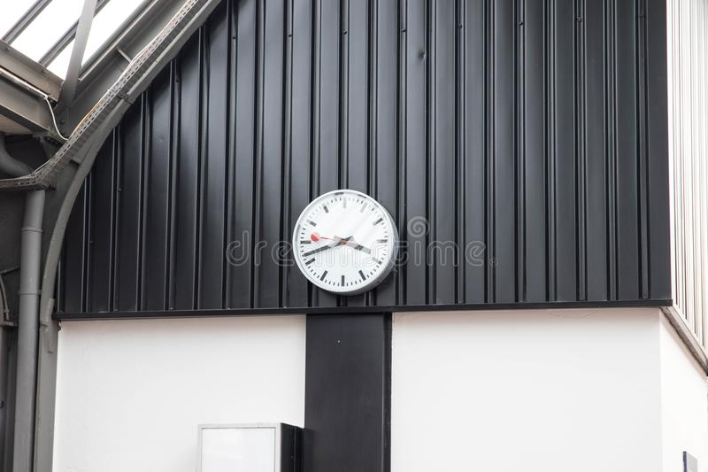 Klasyczny dworca zegaru zegar w Switzerland Europe fotografia royalty free