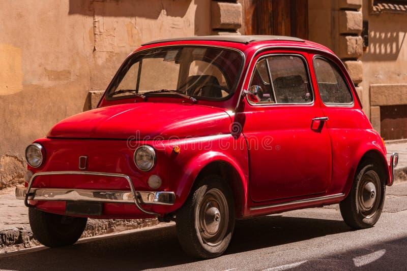 Klasyczny Fiat 500 w Florencja, Włochy obraz stock