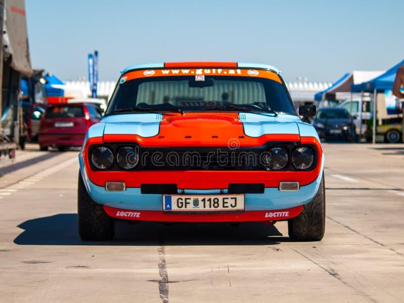 Klasyczny Ford Capri samochód wyścigowy zdjęcia stock