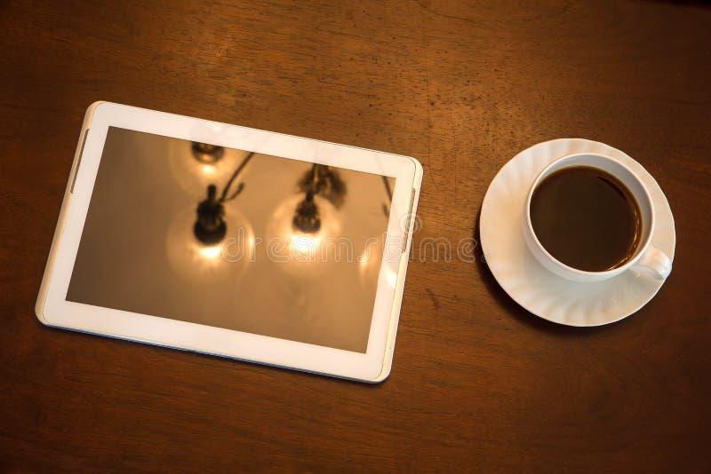 Download Klasyczny Kawy I Pastylki Pecet Zdjęcie Stock - Obraz złożonej z pokaz, usadowić: 53792384