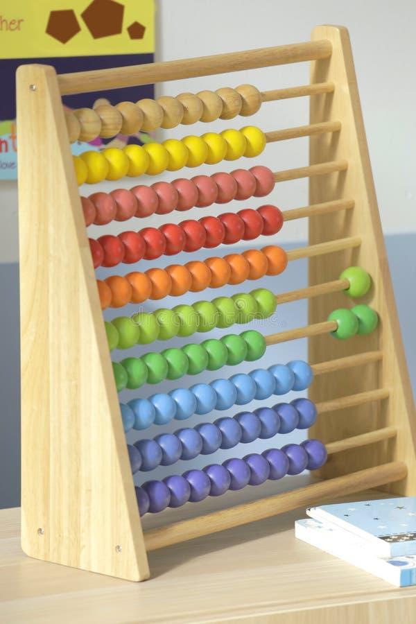 Klasyczny kolorowy drewniany abakus obrazy stock