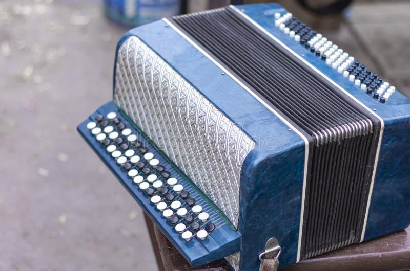 Klasyczny retro bayan akordeon, instrument muzyczny obrazy stock