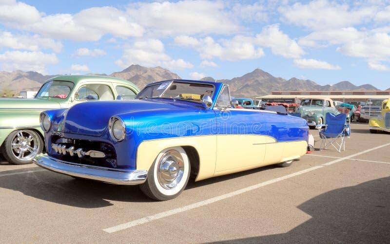 Klasyczny samochód: 1951 Ford kabriolet obrazy royalty free