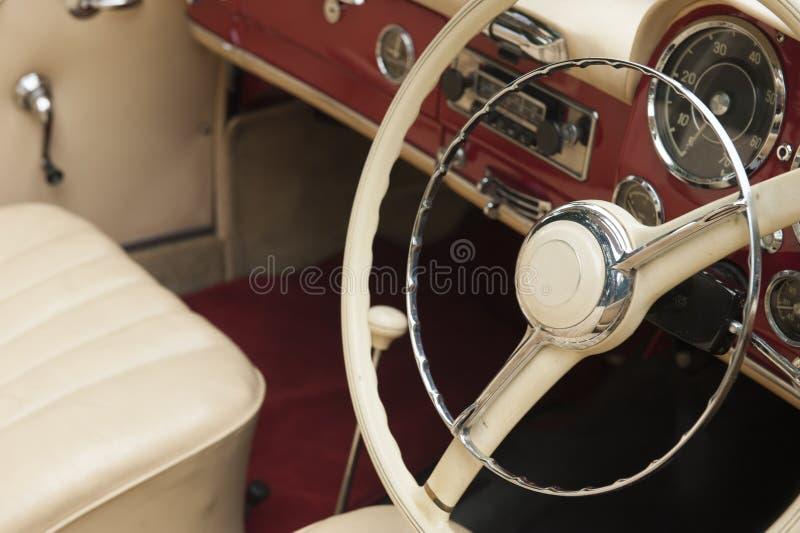 Klasyczny samochód - junakowanie deska zdjęcie royalty free