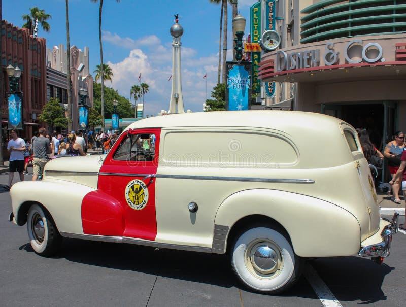 Klasyczny samochód przy Hollywood studiami zdjęcia royalty free