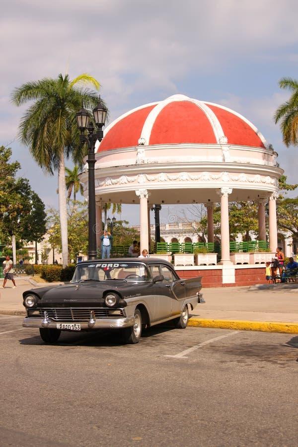 Klasyczny samochód w Cienfuegos, Kuba fotografia royalty free