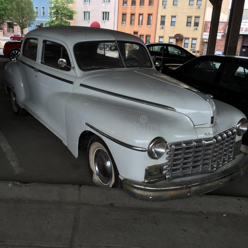 Klasyczny samochód w wyspa udziale NYC obraz royalty free