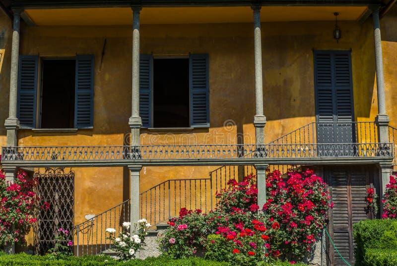 Klasyczny stylowy włoszczyzna ogród w Tirano w włoszczyźnie Valtellina fotografia royalty free