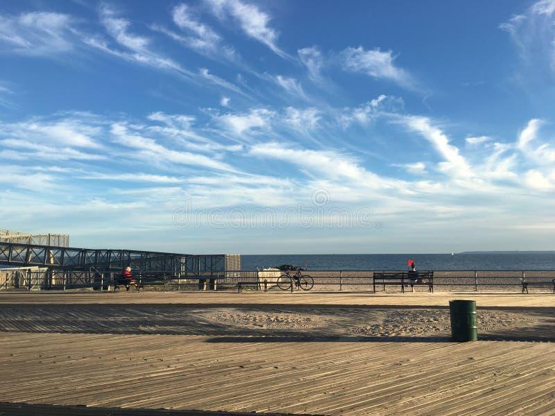 Klasyk NY, dzień w Brighton plaży obraz royalty free
